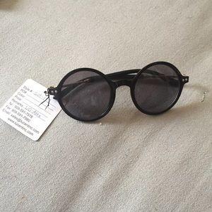 Urban Outfitters Black Round Rim Sunglasses